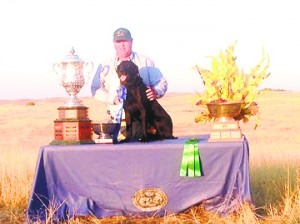 Gizmo and his handler Al Arthur in Gizmo's official Championship photograph.