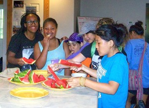 Campers enjoy a mid-morning snack.